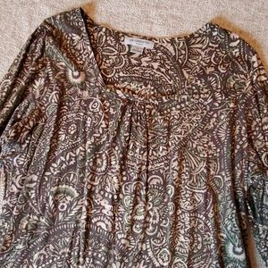 Woman's 1x 3/4 sleeve Brown Paisley Scoup Neck